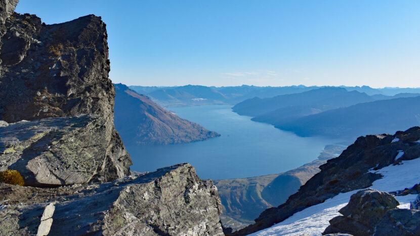ワカティプ湖とサザンアルプス