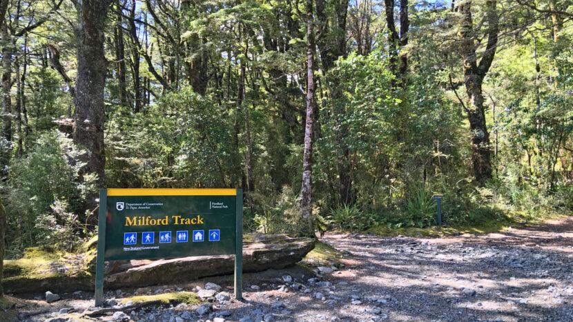 ミルフォード・トラックの登山口